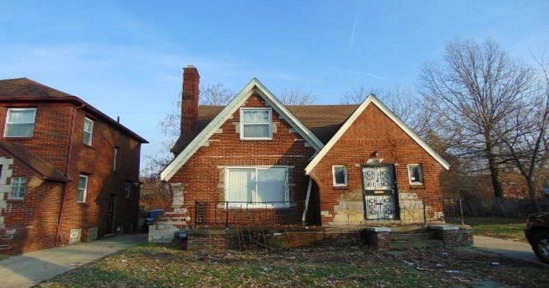 Grosse Pointe estate home buyer