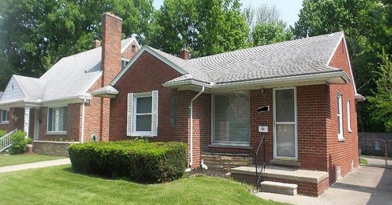 hoarder house buyer in Detroit